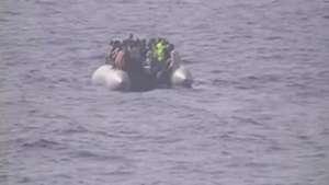 Itália resgata migrantes que tentavam entrar na Europa Video: