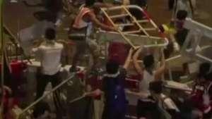 Manifestantes desafiam polícia e mantêm ocupação em Hong Kong Video: