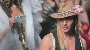 John Galliano volta ao mundo da moda Video: