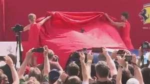 Ferrari comemora 60 anos nos EUA com novidade Video: