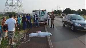 Mulher morre em acidente entre carro e moto na PR 585 Video: