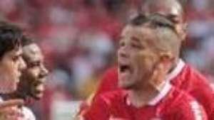 Mano se rende a meia do Inter: