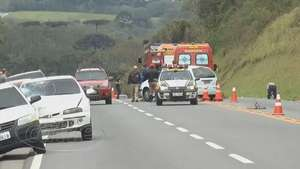Motociclista morre ao ser atingido por carro no Contorno Norte Video: