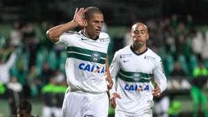 Veja os gols de Coritiba 2 x 0 Botafogo pelo Brasileiro Video: