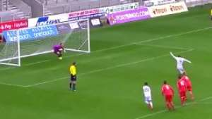 Pior que Baggio! Promessa do Real Madrid isola pênalti  Video: