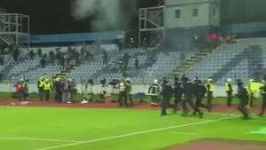 Briga entre eslovacos e checos mancha jogo da Liga Europa Video: