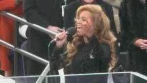 Beyoncé lança linha esportiva em parceria com a TopShop Video: