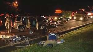 Cinco pessoas ficam feridas em acidente de trânsito na BR 277 Video: