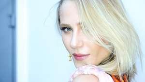 A beleza de Alicia Kuczman em destaque no SPFW  Video: