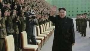 Líder norte-coreano é visto sem bengala Video: