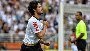 Foi tarde! Mano sobre Pato fora do Corinthians: