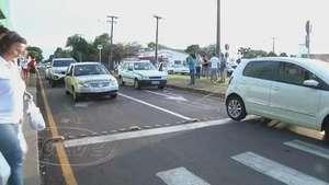 Batida traseira envolvendo três veículos é registrada no Parque Verde Video: