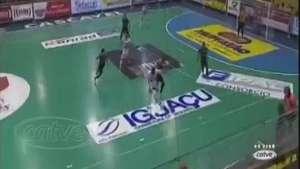 Futsal: Em jogo emocionante, Cascavel vence e garante vaga para a final Video: