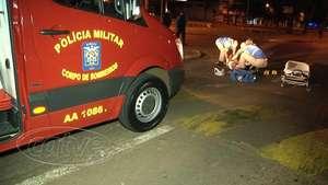 Socorristas atendem mulher vítima de atropelamento na avenida Brasil Video:
