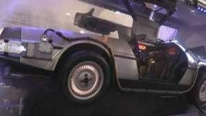 Carro de De Volta para o Futuro chama atenção em feira em SP Video: