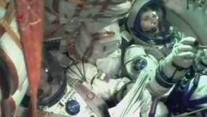 Italiana leva caviar e cafeteira para estação espacial Video: