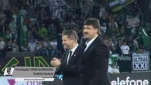 Paulinho Cascavel é homenageado pelo Vitória de Guimarães Video: