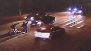 Homem sobrevive após ser atropelado 3 vezes seguidas Video: