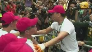 Mais de 100 pessoas foram detidas em protestos em Hong Kong Video: