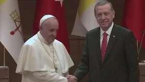 Papa fala sobre diálogo religioso em visita à Turquia Video:
