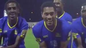 Ex-Fla faz gol na Arábia Saudita e comemora à la Bebeto Video: