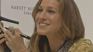 Sarah Jessica Parker lança sapatos de US$ 500 em Dubai Video:
