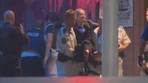 Veja momento em que polícia liberta reféns em café de Sydney Video: