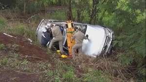 Família fica ferida em acidente na PR 467, em Marechal Video: