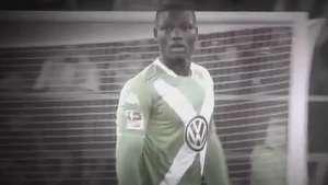 Alemães prestam homenagem pela morte de jogador do Wolfsburg Video: