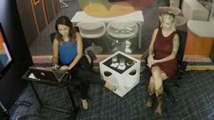 Clara assiste BBB 15 com Vanessa e revela se rolou beijo Video: