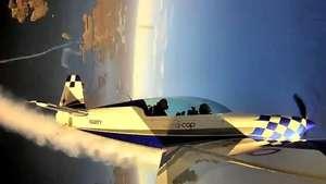 Pai e filho fazem acrobacias aéreas nos EUA; viaje com eles Video: