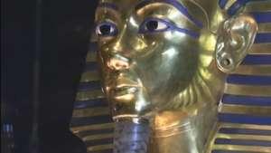 """Veja """"estrago"""" após restauração da máscara de Tutancâmon Video:"""