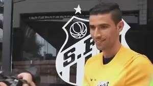 Santos contrata goleiro do Coritiba para substituir Aranha Video: