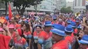 Blocos põem cariocas para sambar, faltando 2 semanas para o Carnaval Video: