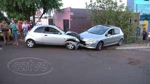 Condutor de Ka provoca acidente e abandona o veículo no bairro Claudete Video: