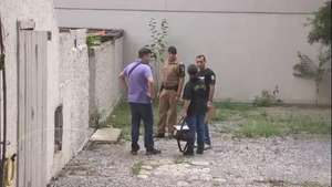 Homem é encontrado morto dentro de uma casa em Curitiba Video:
