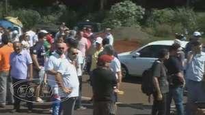 Manifestantes fecham BR 277 em protesto a obras de viaduto Video: