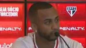 Wesley é bombardeado com perguntas sobre saída do Palmeiras Video: