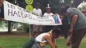 Parque Augusta: manifestantes plantam mudas em protesto Video:
