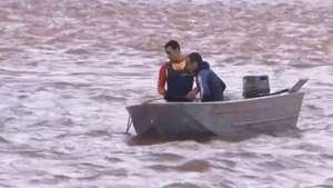 Família desaparece nas águas do Rio Piquiri em Francisco Alves Video: