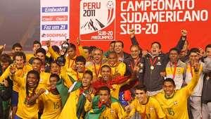 Brasil festeja título sudamericano tras vencer a Uruguay Video:
