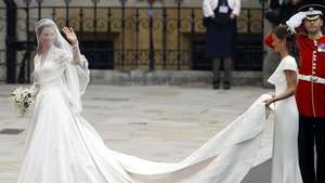 Vestido de novia de Kate Middleton, una joya de 44.000 euros Video:
