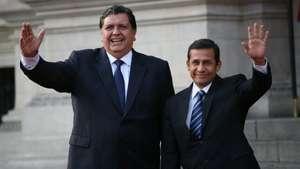 Ollanta Humala y Alan Garcìa se reúnen en Palacio de Gobierno Video: