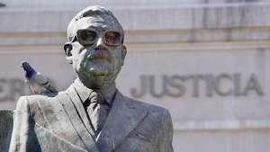 Mayo: Los restos de Salvador Allende serán exhumados Video:
