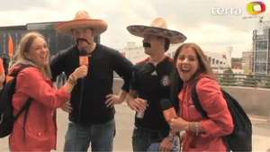 Deportadas with England fans: Mexico is going to win? ¡Of course! Video: Terra USA