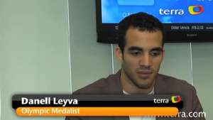 Terra goes one on one with Danell Leyva Video: Terra USA