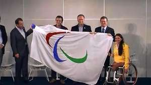 La bandera paralímpica llega a Río de Janeiro Video: