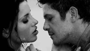 Music Video: Alejandro Sanz, 'No me Compares' Video: