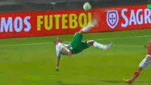 Golazo de chilena se destaca en el campeonato portugués Video: