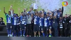 Así recibió la copa el Porto tras vencer al Paços Ferreira Video: